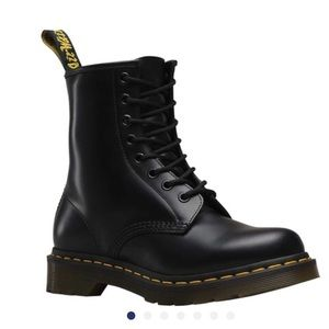 Dr. Martens 1460 8-Eye Boot W (Women's) AirWair